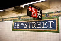 3885_DG_Subway_New_York_2010_ZV4N2699